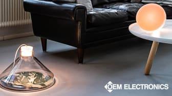 Jan Klingler använder silikon från OEM Electronics och bakterieodlingar för att tillverka unika lampor