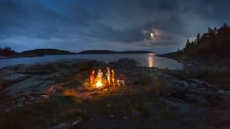 Vi möts runt lägereldarna i hela Höga Kusten och laddar med stämningsfylld höstenergi.