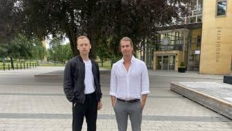 Tobias Åberg och Jimmie Karlén har läst ekonomprogrammet på Högskolan i Skövde och i sitt examensarbete tittat närmare på spelbranschen ur ett finansiellt perspektiv med fokus på immateriella tillgångar. Foto: Privat