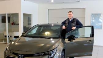 Mosjøen: Salgssjef Tor Anders Johansen hos Nordvik er klar for lansering av nye Corolla Hybrid.