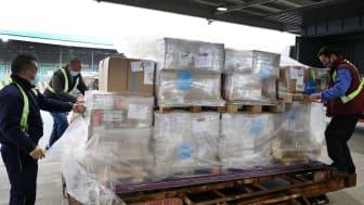 Tiotusentals fall av covid-19 har rapporterats i staden Wuhan, Kina. Staden är isolerad sedan 23 januari, för att hindra smittan från att spridas. UNICEF levererar skyddsdräkter, skyddsmasker och andningsmasker till den hårt drabbade staden. © UNICEF
