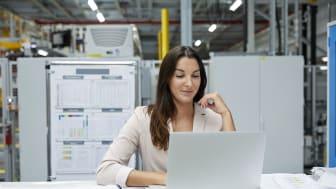 Schneider Electric inleder samarbete med Female Technical Engineer för ökad mångfald i branschen