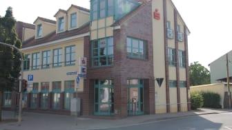 Seit 175 Jahren an verschiedenen Standorten in Stotternheim: Heute ist die Sparkasse in der Erfurter Landstraße 9/10.