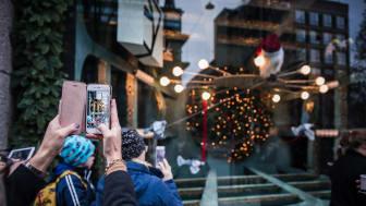 Med appen NK Christmas kan man ta del av julskyltningen på NK i augmented reality.