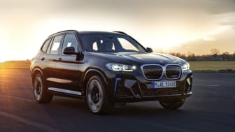 Nye BMW iX3: Oppdatert elektrisk kjøreglede med M Sport