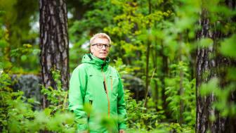 Yleensä luonnossa liikkuminen herättää ihmisissä halun suojella sitä, ministeri Kimmo Tiilikainen sanoo. Kuva: Teemu Kuusimurto/YHA kuvapankki