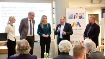 Från vänster: Erika Ullberg (S), Gustav Hemming (C),  Anna Gissler, TF VD Stockholm Business Region, Øyvind Såtvedt, direktör Osloregionen och Jonas Karlsson, VD Oslo-Sthlm 2:5