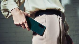 Sony introduceert Xperia 1 III en Xperia 5 III met zeer snel fotograferen tot 20 fps AF/AE en 's werelds eerste variabele telelens voor smartphones