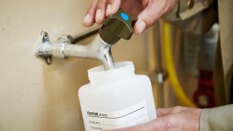 Utöver den utökade provtagningen följer NSVA Livsmedelsverkets föreskrifter och tar 12-15 bekämpningsmedelsprover på dricksvattnet per år.
