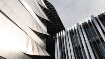 EcoStruxure™ Power reduserer drifts- og vedlikeholdskostnader ved hjelp av sanntidsdata fra anlegget.