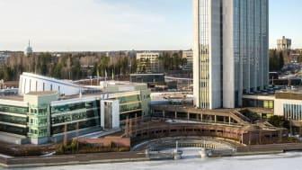 Regenero hankki lokakuussa 2017 omistukseensa Fortumin entisen pääkonttorikiinteistön. Kuva: YIT