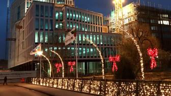 Lagom till jul är LINK Business Centers vackra fasad på plats.