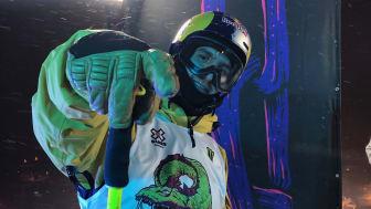 Jesper Tjäder var ytterst nära guldet i showtävlingen Knuckle Huck där åkarna gör sina trick över kanten bredvid Big Air-hoppet. Bild: Niklas Eriksson. (Fri att användas redaktionellt)