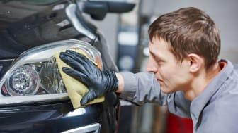 Miten puhdistaa ja kiillottaa ajovalot?