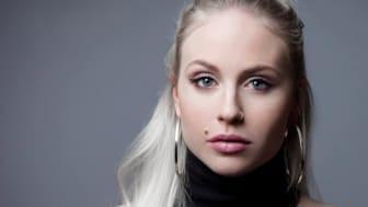 Påminnelse om presentation av artisten Mikaela Urboms bok  om sin anorexi och ortorexi på onsdag 10.00