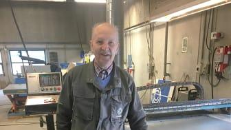 Jørn Kragelund forlader Lindab efter 55 år som værkfører. Han fejres ved en festlig reception den 1. juni, der markerer hans store engagement og indsats gennem årerne.