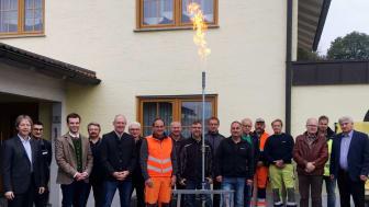 Feuer frei für die neue Gasversorgung in Dalking. Zusammen mit Partnern und Vertretern aus der Politik hat die Bayernwerk Netz am Mittwoch die Versorgungsleitung in Betrieb genommen.