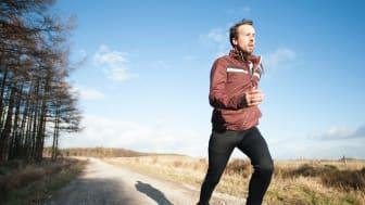 Våren er kommet, har du tatt frem løpeskoene? Slik unngår du skader.