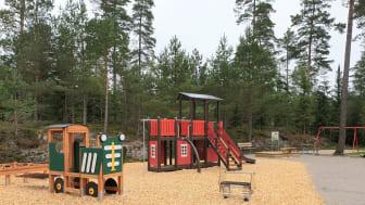 Pressinbjudan: Var med på invigningen av Viskafors nyrenoverade lekplats!