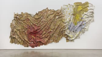 Gravity and Grace © El Anatsui, Courtesy of the Artist and Jack Shainman Gallery New York
