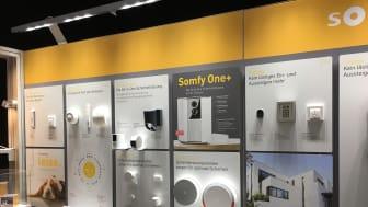 Produkter för det smarta hemmet visades hos Somfy på R+T mässan