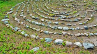 Labyrinter, eller Trojeborgar som de även kallas, är en fornlämning som vi vet ganska lite om. I Sverige finns omkring 300 kända labyrinter. Foto: Malin Richard.