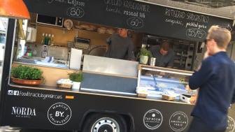 Manhattan flavors i Marcus Samuelssons foodtruck  under Smaka på Stockholm
