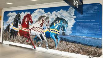Shai Dahans väggmålning finns till beskådande på Göteborg Landvetter Airport. Foto: Malin Levin