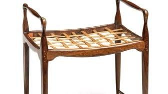 Peder Moos: Unique stool (1948). Estimate: DKK 400,000-600,000 / € 53,500-80,500
