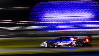 A Ford besöpörte az első három starthelyet a Daytona Rolex 24 órás futam időmérő edzésén