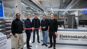 VD Anders Nordlöw inviger Elektroskandias ny butik i Bromma. På bilden fr.vänster: Ahmed Tevris, Inne/Butikssäljare, Anders Nordlöw, VD, Ove Hallingstam, Säljchef, Joakim Liljedahl, Butiksansvarig, Lukas Tisjö, Inne/Butikssäljare