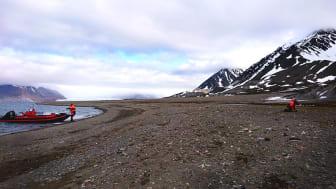 Svalbard saknar till stora delar helt avloppsrening. Med konventionell rening kan 99 procent av mikroskräpet fångas upp. Foto: Maria Granberg