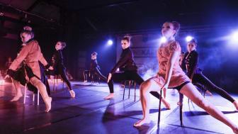 Widelius Dance Company i Danskarusellen riksfestival 2015. Gruppen som representerar Örebro/Värmland har nått riksfestivalen även i år. Foto: Robert Stalbro