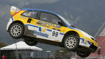 Pontus Tidemand hoppar högt