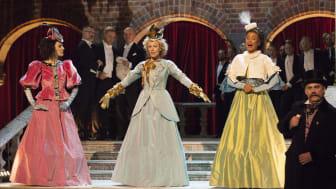 """USA-turné för operatrion Divine med föreställningen """"Näktergalarna"""""""