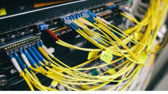 Weil die Datenrate entscheidet: Bis zu 10 Gigabit pro Sekunde sollen in Gewerbegebieten im Raum Hannover möglich werden