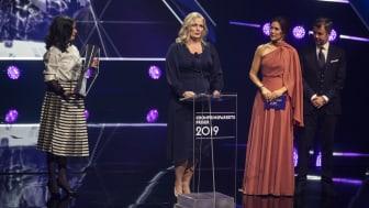 Den sociale indsats Bydelsmødre modtog Kronprinsparrets Sociale Pris 2019, fordi de hver dag er med til at løfte og styrke minoritetskvinder, og fordi den måde, de griber udfordringen an på, både er vellykket, nytænkende og betydningsfuld.