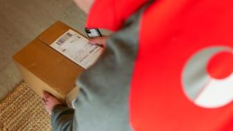 Levering av pakker innenfor døren hos kunder som har en digital dørlås er en tjeneste Posten Norge nå utvikler.