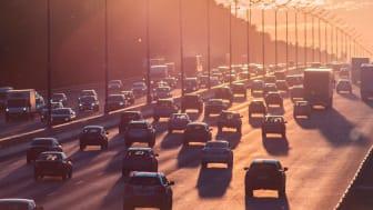 Trängsel i trafiken är en problematik bildelning kan bidra till att lösa.