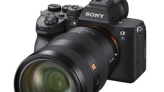 """Sony ogłasza wyczekiwany aparat Sony α7S III, który łączy najlepsze parametry obrazu z charakterystyczną dla serii """"S"""" czułością"""