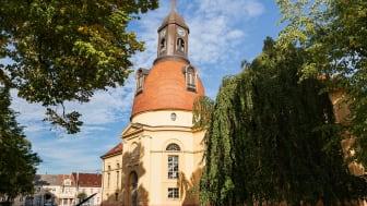 Die Kulturkirche Neuruppin ist der Veranstaltungsort des Brandenburgischen Tourismustages 2019 und der Vorstellung des Sparkassen-Tourismusbarometers (TMB-Fotoarchiv/Steffen Lehmann)