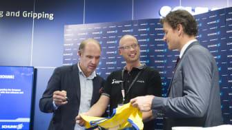 Jens Lehmann och Thomas Ravelli på plats i Schunks monter.