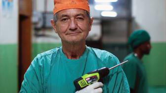 Erik Erichsen är rebellkirurgen som vägrade rätta in sig i ledet.