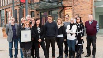 """Personalen på Innovatums science center har stolt tagit emot utmärkelsen """"Certificate of Excellence"""" från TripAdvisor."""
