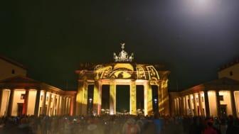 """Berlins Brandenburger Tor under det årliga evenemanget """"Festival of Lights"""". FOTO: Deutsche Zentrale für Tourismus e.V."""