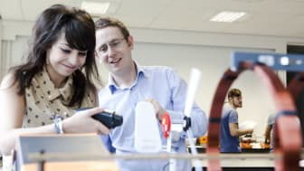 Science students discover a bright future in new physics lab