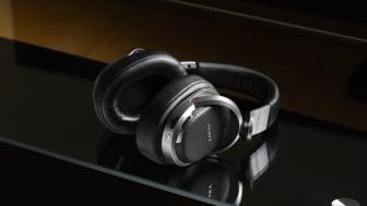 Surround-Sound im HD-Format: Das kabellose Kopfhörersystem MDR-HW700DS von Sony