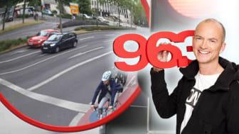 Morning Man Mike Thiel von Radio Gong hat in seiner Sendung darum geworben, dass Münchens Kreuzungen mit Trixi-Spiegeln ausgestattet werden, um den toten Winkel beim Abbiegen zu vermeiden.