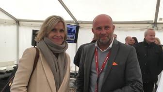 MARKERTE ÅPNING: Markedsdirektør Audhild Kvam i Enova og direktør Helge Albertsen i Bodø Energi Varme.
