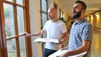 Christian Hassleus och Shivan Abdullah är två av lokalförvaltningens underhållsbedömare  som ska återbruksinventera Orkestergatans förskola.